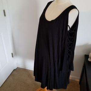 Cold shoulder ladder sleeve 3/4 length top